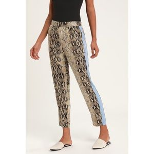 🆕Confidence Queen Beige Snake Print Pants